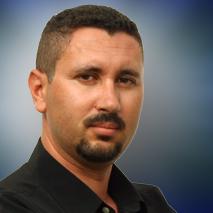Administrador Carlos R. Robayna